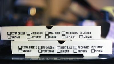Un juez en EU le prohibió a una persona ordenar pizza de por vida