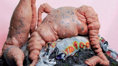 Doodenge baby's, uitpuilende vleeshompen en andere niet te missen kunst