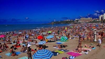 Pourquoi le tourisme fout en l'air la France