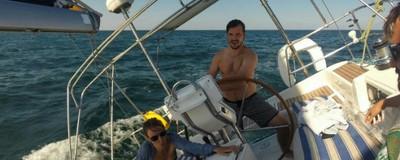 Am stat două zile pe barcă, la Constanța, ca să scap de aglomerația și meltenii de pe plajă