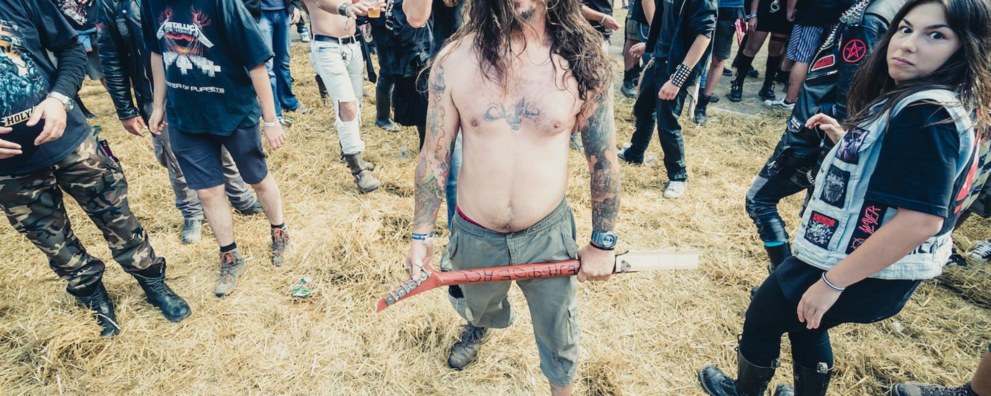Fotografii cu rockeri care petrec la cel mai mare festival metal din România