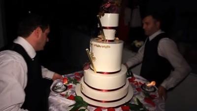 Nunțile și grătarele de la hotelul de lux al Patriarhiei Române m-au învățat ce înseamnă sărăcia
