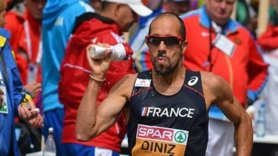 Recordista mundial de marcha atlética se caga, desmaia e termina prova em 8º lugar