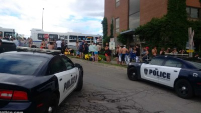 1,500 Americans Partying on a Michigan River Accidentally Ended Up in Canada