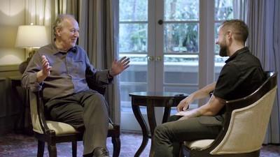 De legendarische filmmaker Werner Herzog legt het internet uit