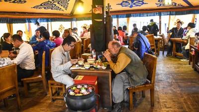 Inside the Best Restaurant in Tibet