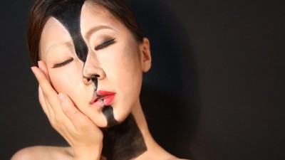 A Makeup Magician Masters the Surrealist Selfie