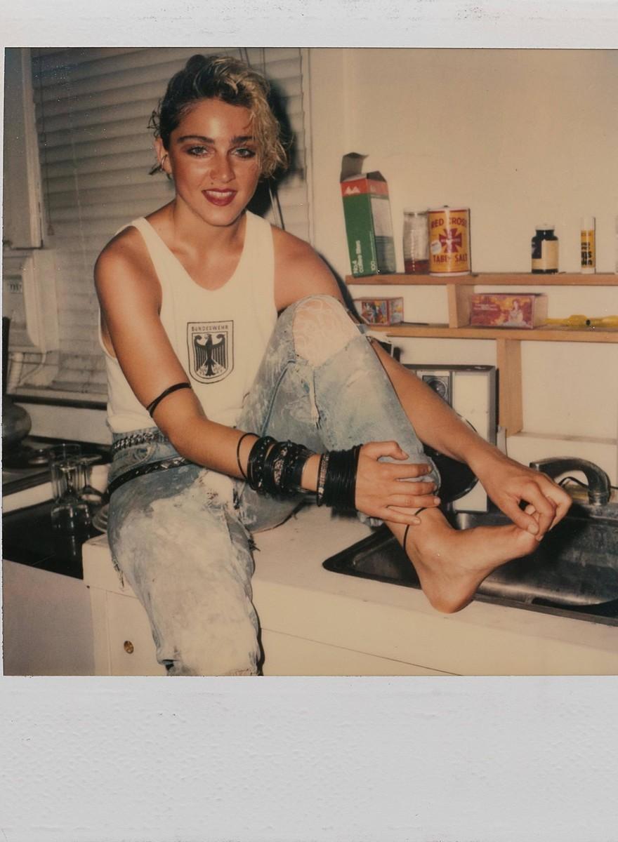 66 polaroides inéditas da Madonna antes da fama