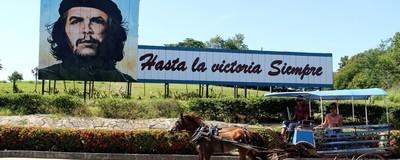 En imágenes: la Cuba de los Castro en 15 mensajes revolucionarios