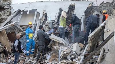 Um terremoto destruiu cidades próximas a Roma deixando dezenas de mortos