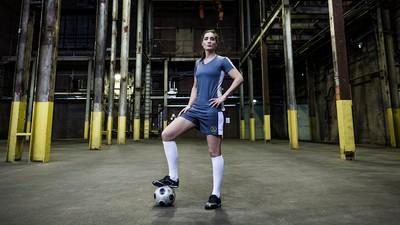 Leonne Stentler laat niets heel van de vooroordelen over vrouwenvoetbal