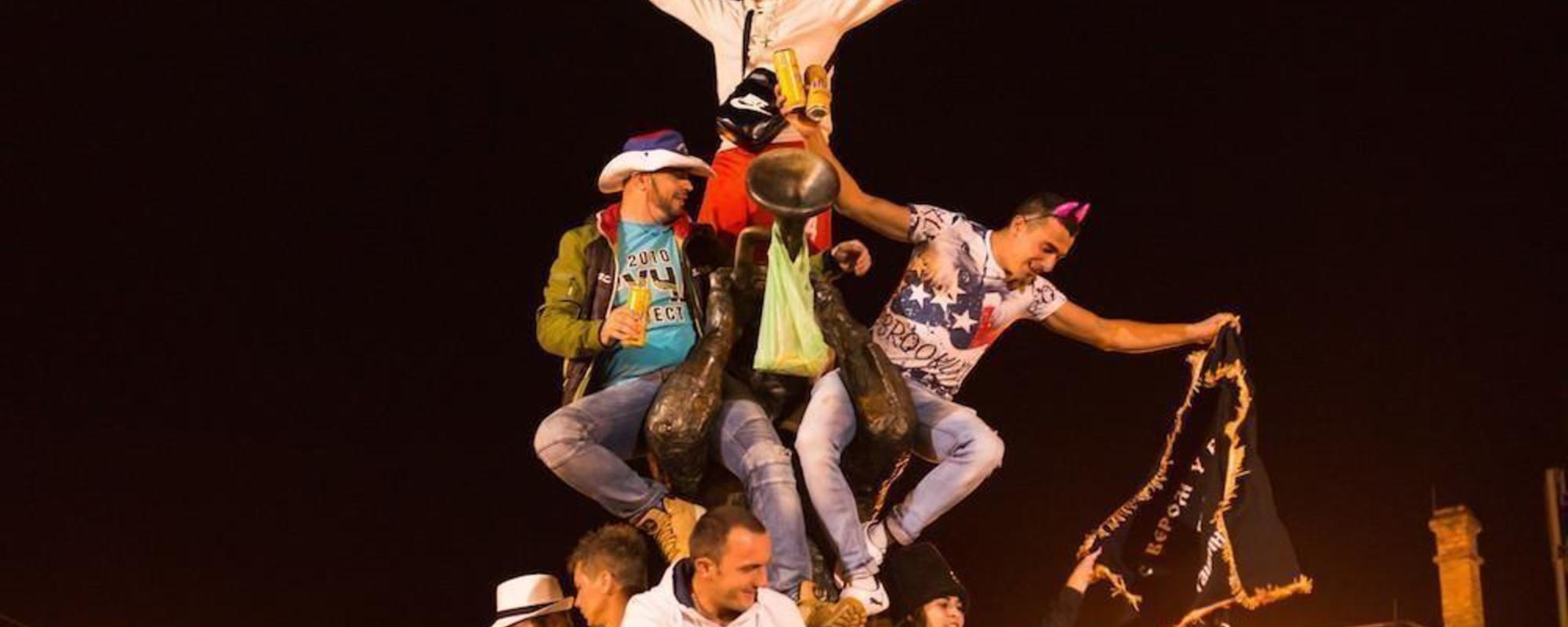 Sindssyge billeder fra verdens største trompetfestival