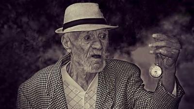 Am vorbit cu cei mai bătrâni oameni din club, ca să aflu ce-i motivează să iasă în oraș