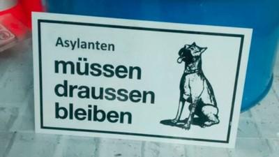 Ein Laden in Bayern verbietet Flüchtlingen den Zutritt