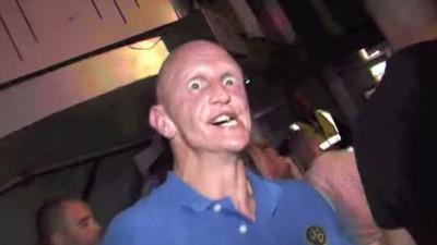 Gesichtskirmes: Warum lässt MDMA den Kiefer verrücktspielen?