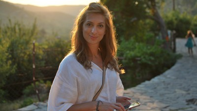 Încerc de cinci ani să fac un copil în România, deși medicii susțin că sunt sănătoasă