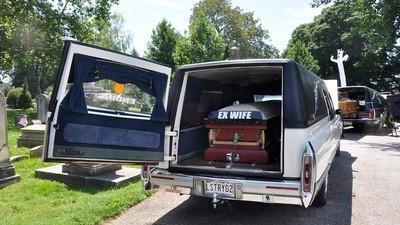 Pimp min ligvogn: Bilentusiaster viser deres morbide øser frem