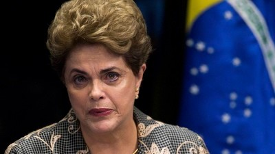 """""""Nos vemos diante do risco de uma ruptura democrática"""", diz Dilma em seu discurso no Senado"""