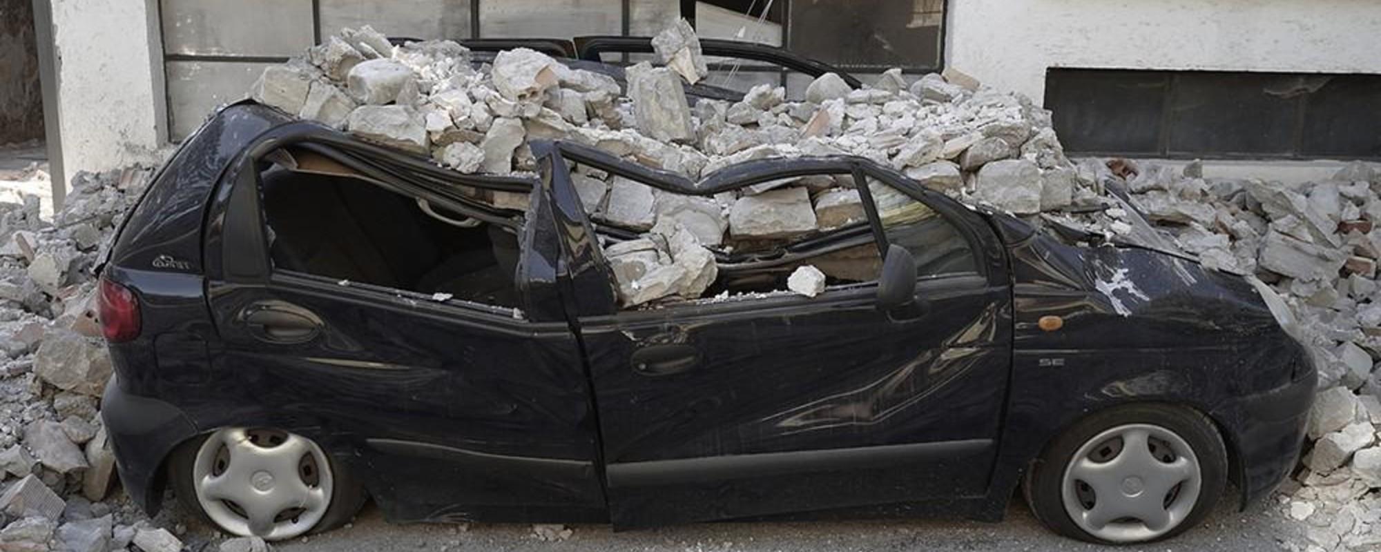 Eine Nacht mit italienischen Erdbeben-Rettungstrupps