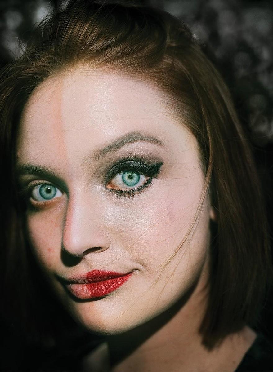Überall und nirgendwo: Eva O'Learys Porträts dekonstruieren Identitäten