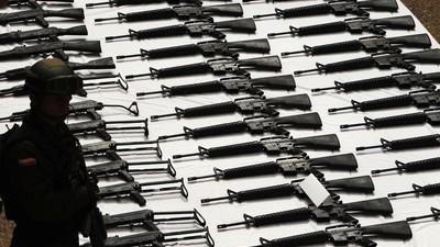 Povestea traficantului de arme român care vindea lansatoare de grenade și mitraliere în București