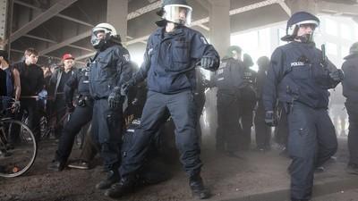 Was es für Demonstranten bedeutet, wenn die Berliner Polizei Elektroschocker bekommt