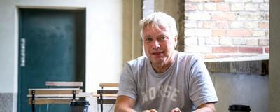 Min generation kan ikke finde ud af at gøre oprør – så jeg bad Uffe Elbæk om hjælp