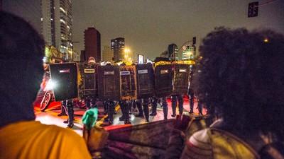 """A manif """"Fora, Temer"""" das mulheres negras foi travada pela Polícia Militar em São Paulo"""