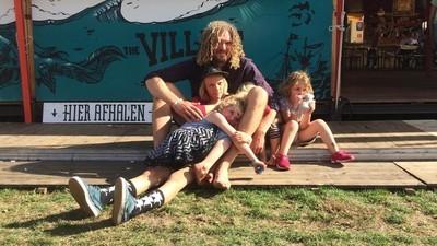 Hoe krijgen ouders op ITGWO het voor elkaar om het festivalleven te combineren met een kind?
