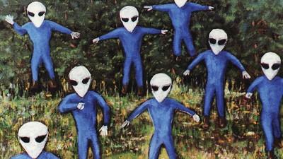 Esta alucinante colección de arte rinde un homenaje a la conspiración OVNI