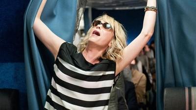 Stewardessen vertellen over hun meest dronken passagiers