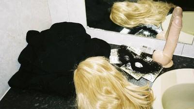 Fotografii cu orgiile secrete din camerele ieftine de hotel din Manchester
