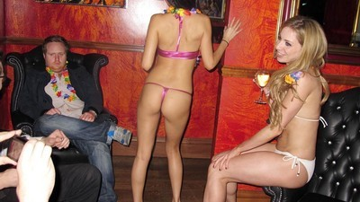 Las estrellas porno nos comparten las cosas más raras que les han pedido en una escena