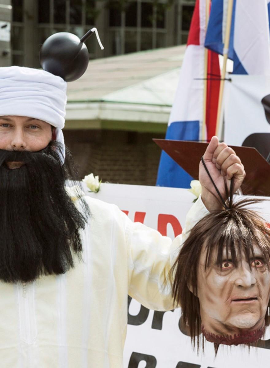 Foto's van de Pegida-demonstratie in Den Haag