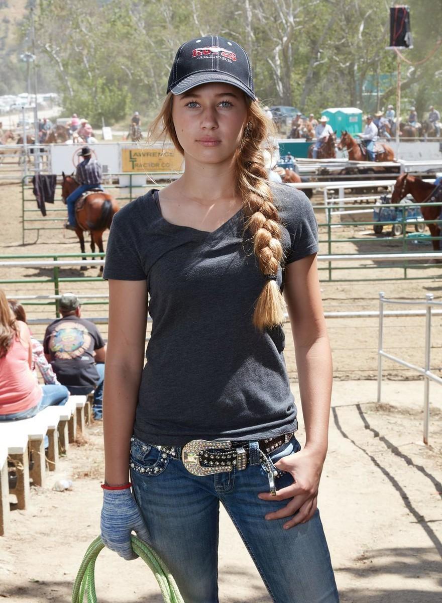 Catherine Opie captura cenas de um rodeio no Oregon, nos EUA