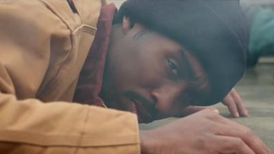 Polizeigewalt, leichtbekleidete Frauen und etwas Musik: Der neue Trailer für das Tupac-Biopic ist da