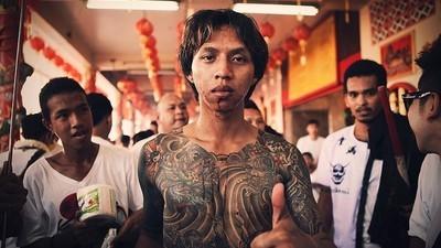 Krwawe rytuały na festiwalu Dziewięciu Cesarskich Bóstw w Tajlandii