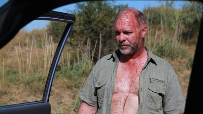 Am vorbit cu actorul care joacă personajul negativ din cel mai violent film românesc