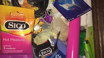 Dildos, mota y condones usados: Un vistazo a los cajones de nuestros lectores mexicanos