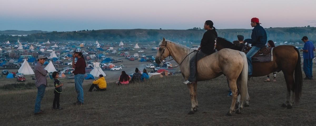 Standing Rock - ile ilgili görsel sonucu