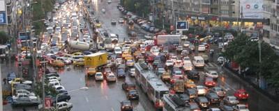 Zece semne după care recunoști un ghiolban în traficul din București