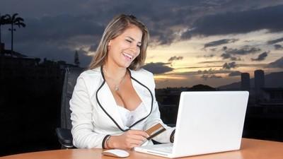 Vrouwen werken gemiddeld vier jaar langer dan mannen en dat is geen verrassing
