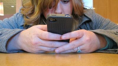 Tot ce ți se întâmplă dacă nu-ți plătești factura la mobil timp de o lună, în România