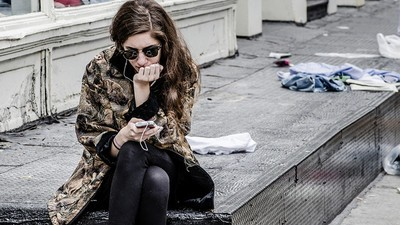 Rimanere in contatto col tuo ex è la rovina della tua nuova relazione