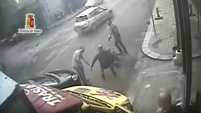 A quanto pare a Palermo c'è una gang che assalta solo i carichi di sigarette