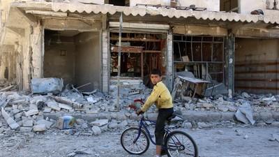 Atacurile aeriene din Alep ucid zeci de copii