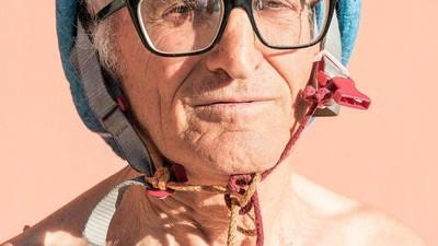 """Fotos von einem Fest für """"hässliche Menschen"""""""