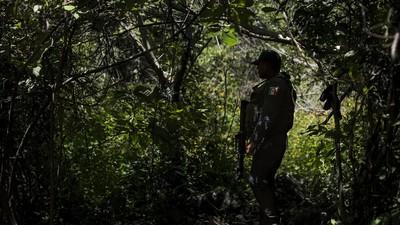 Narcos, mineras y espionaje político: la otra cara de Ayotzinapa