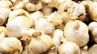 Cum poți să scapi de miros după ce-ai mâncat usturoi