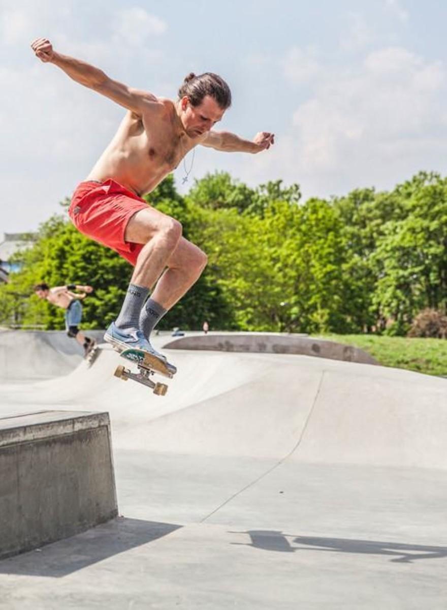 El verano skate de un chico que aprendió a patinar a los veintitantos